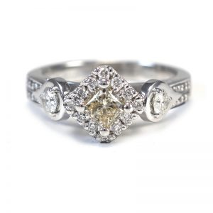 custom jewellery Sunshine Coast - engagement rings Gympie