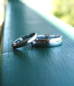 wedding rings Sunshine Coast - handmade engagement rings Maroochydore